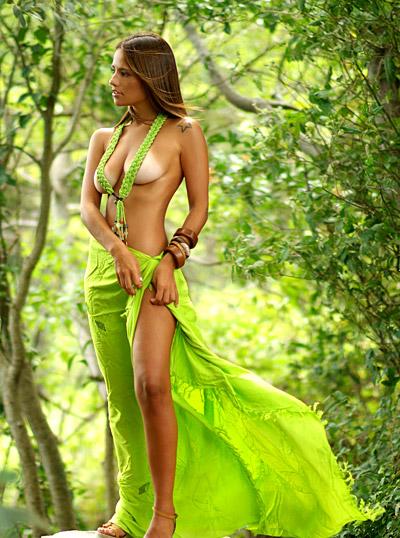 amanda_alves_20110416_1089031697