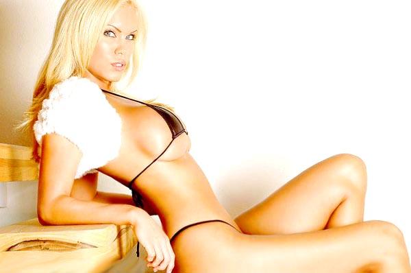 amber_mekush_blondes_have_more_fun_20100705_1598943173