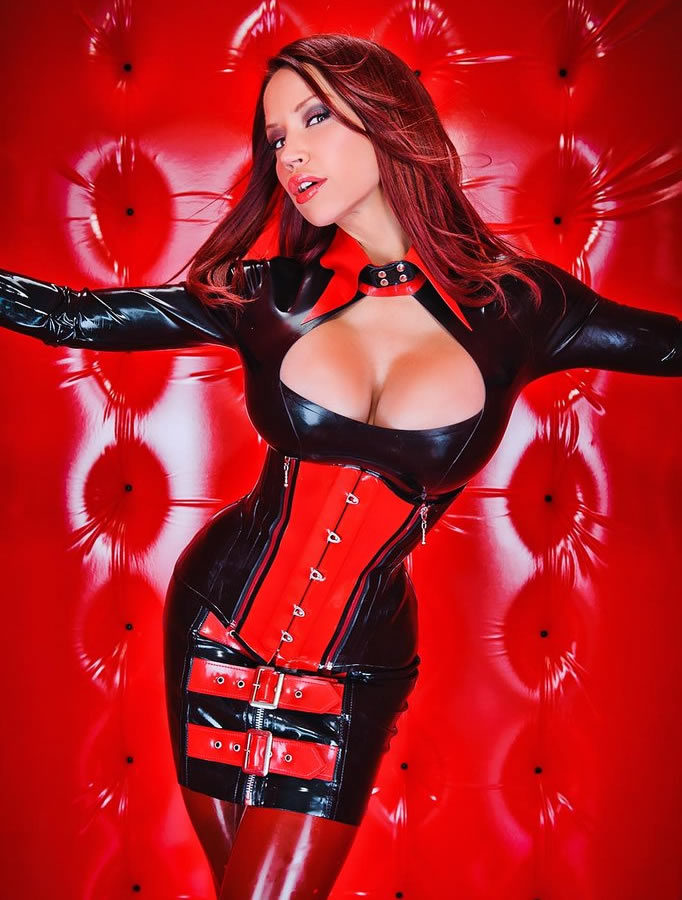 bianca_beauchamp_the_latex_collection_20110223_1055142369