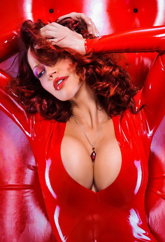 bianca_beauchamp_the_latex_collection_20110223_1250989940
