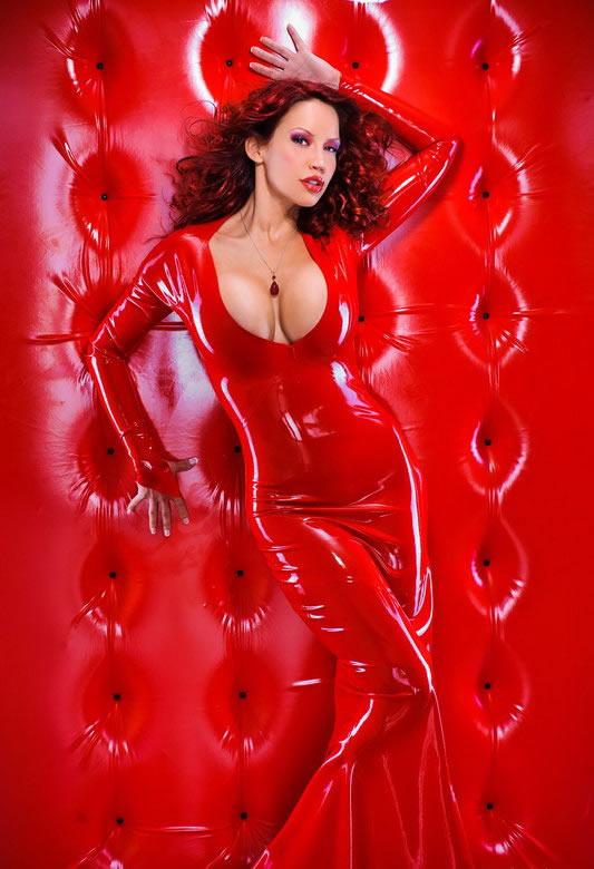 bianca_beauchamp_the_latex_collection_20110223_1272234080
