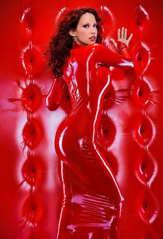 bianca_beauchamp_the_latex_collection_20110223_1291515013