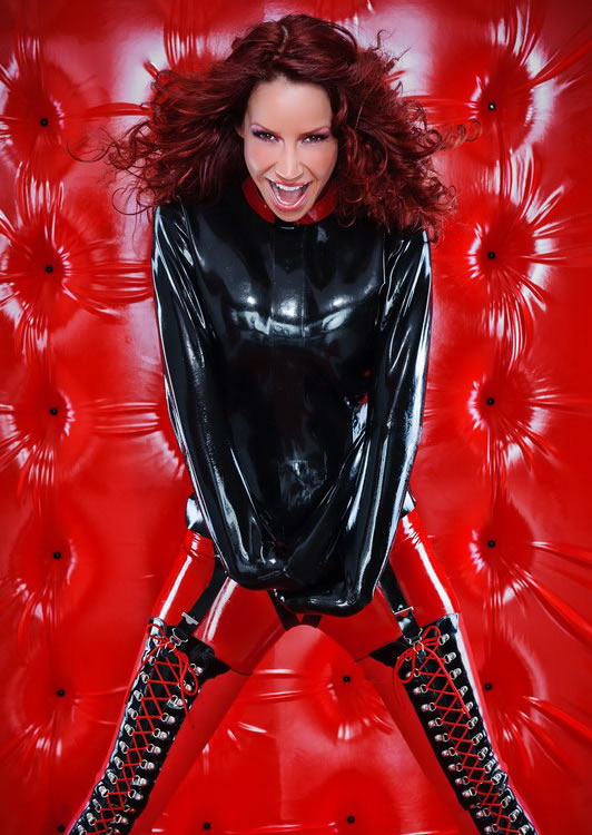 bianca_beauchamp_the_latex_collection_20110223_1443124375