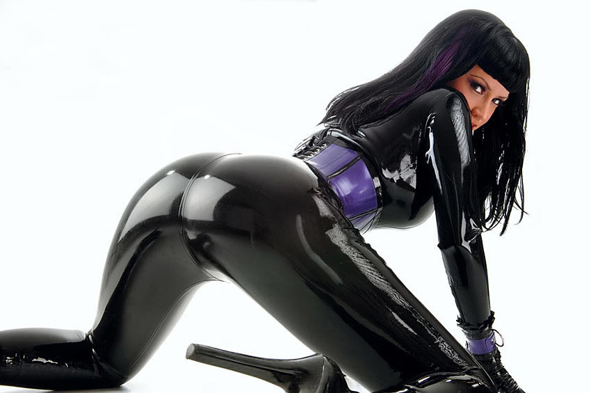 bianca_beauchamp_the_latex_collection_20110223_1454243676