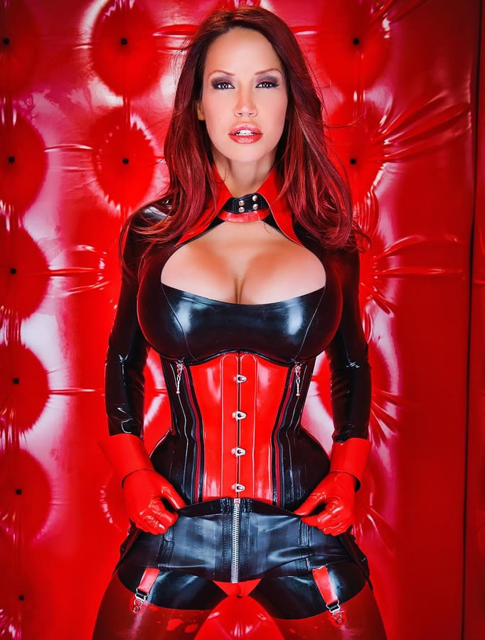 bianca_beauchamp_the_latex_collection_20110223_1482569948