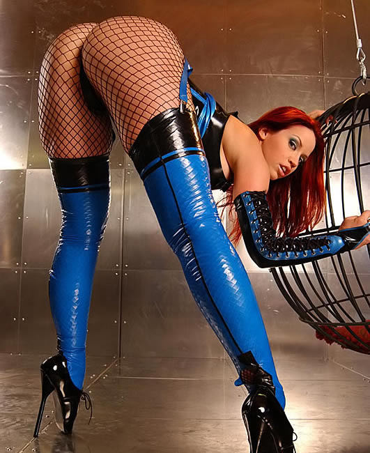 bianca_beauchamp_the_latex_collection_20110223_1742300157