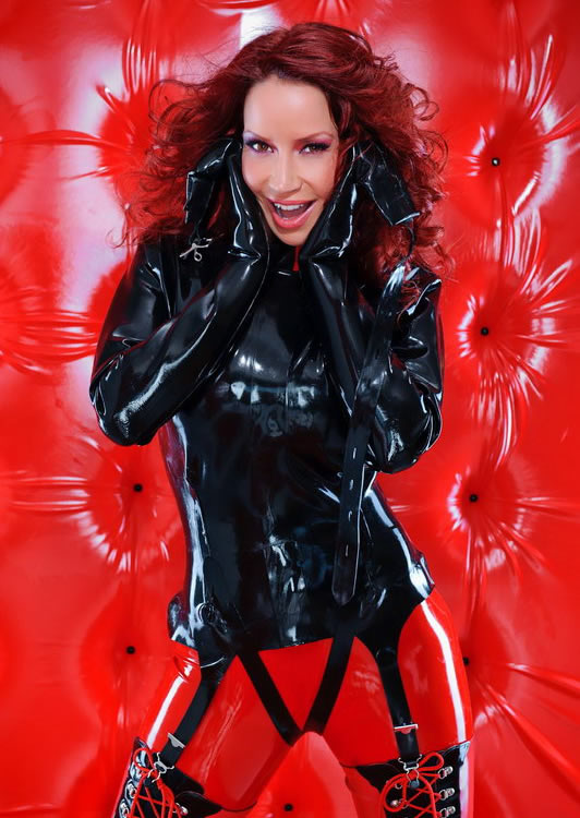 bianca_beauchamp_the_latex_collection_20110223_1745100176