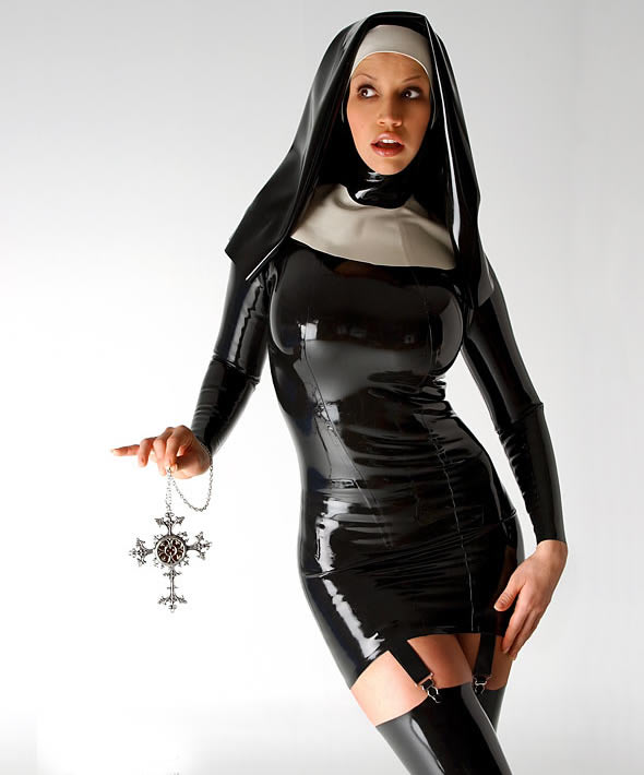 bianca_beauchamp_the_latex_collection_20110223_1826990204