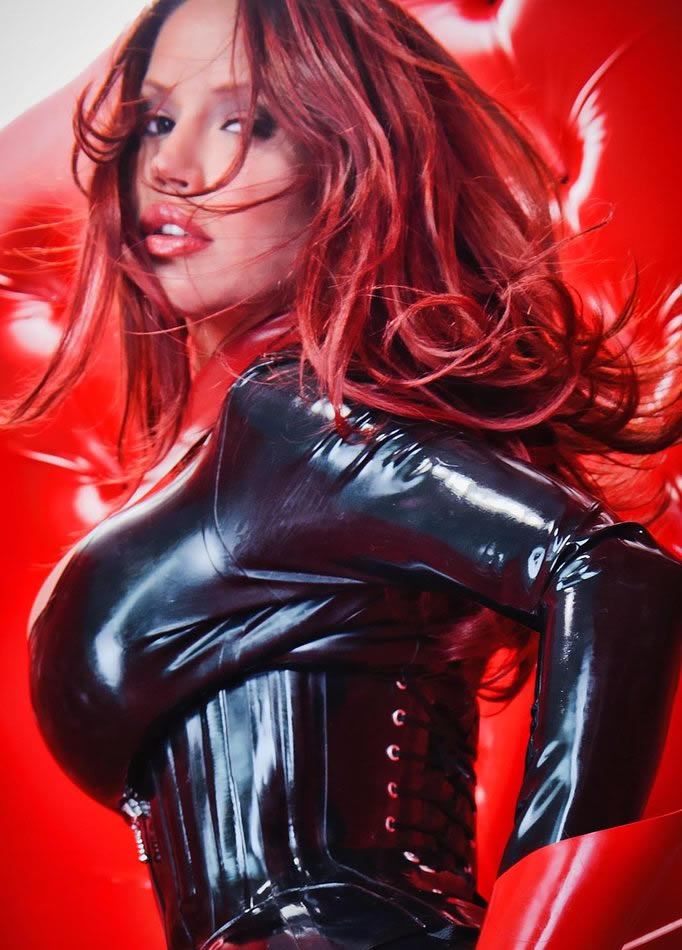 bianca_beauchamp_the_latex_collection_20110223_2005501207