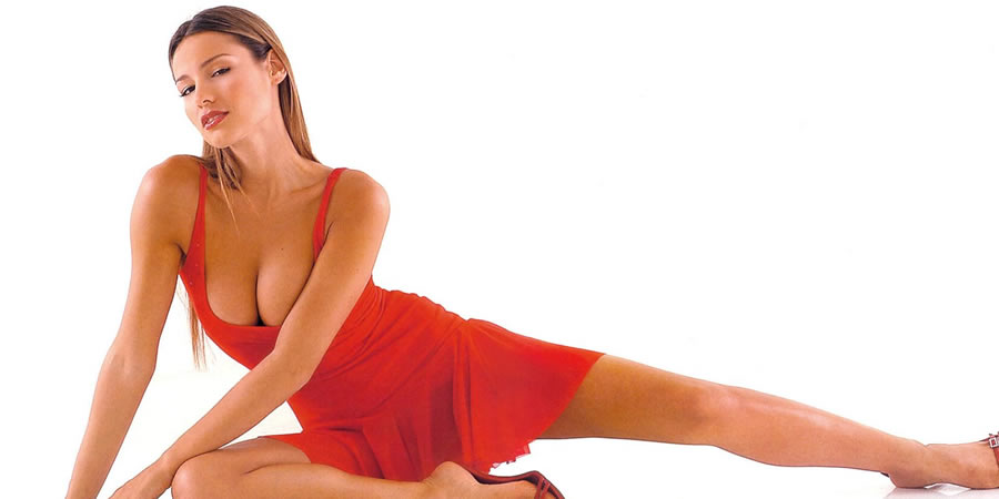 carolina_pampita_ardohain_swimsuit_edition_2011_20110217_1057934146