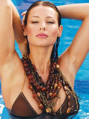 carolina_pampita_ardohain_swimsuit_edition_2011_20110217_1770166975