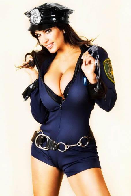 denise_milani_slap_them_cuffs_on_me_hustla_20100927_1087246000