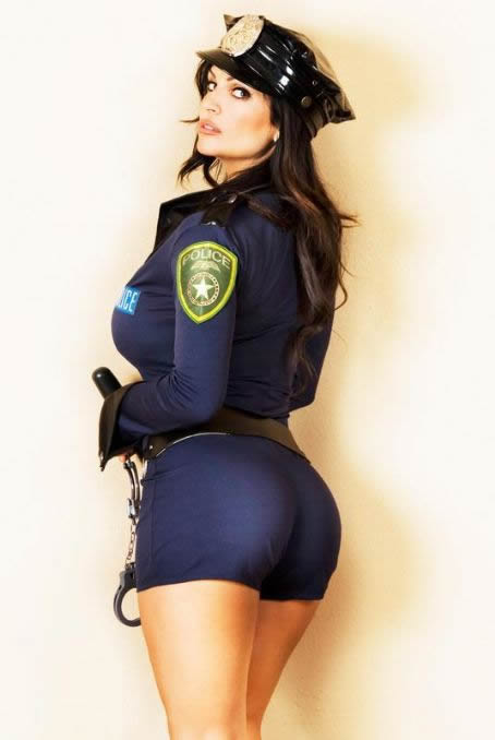 denise_milani_slap_them_cuffs_on_me_hustla_20100927_1097980768