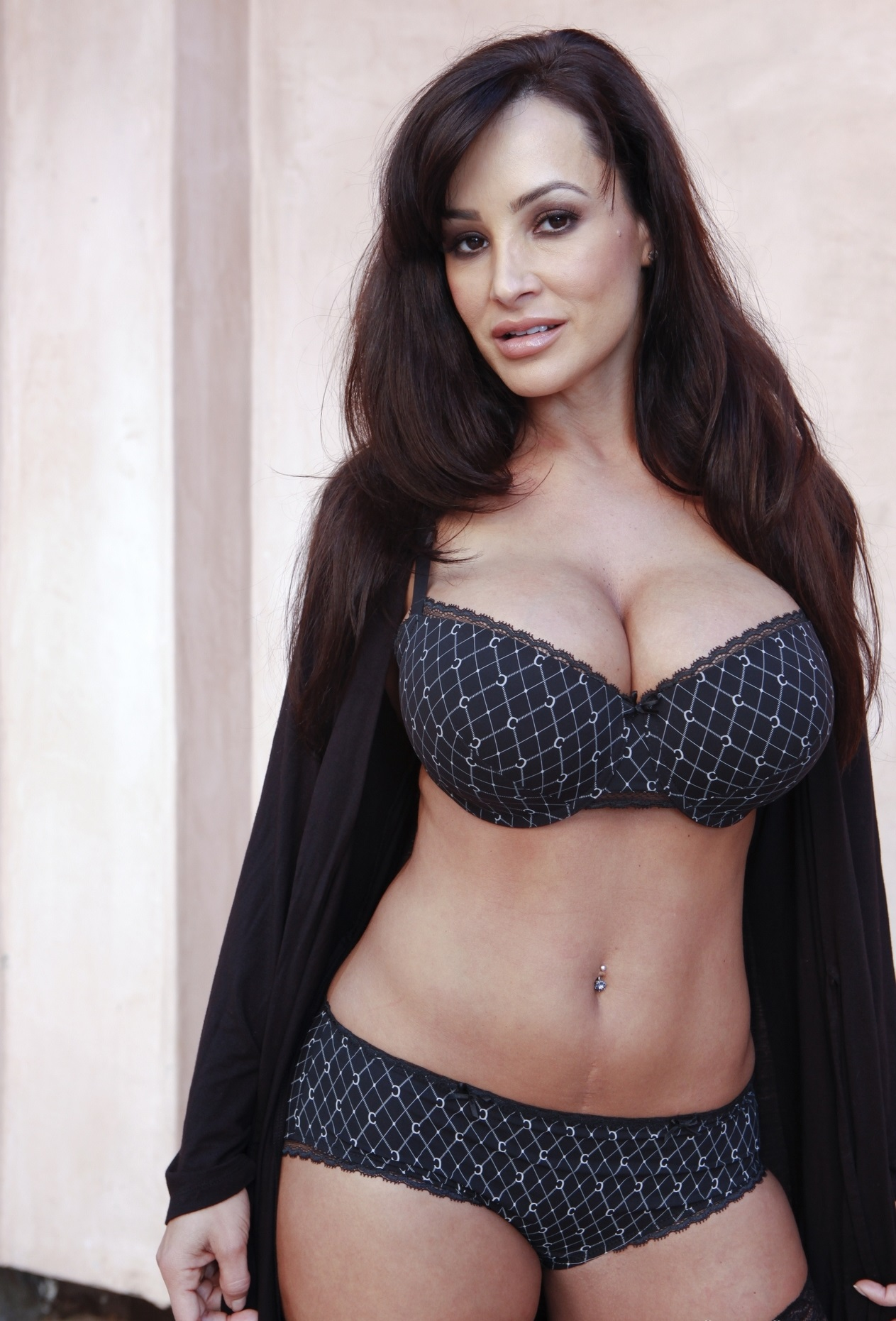 Lisa Ann Presents a Very Special Edition of the Hump Day