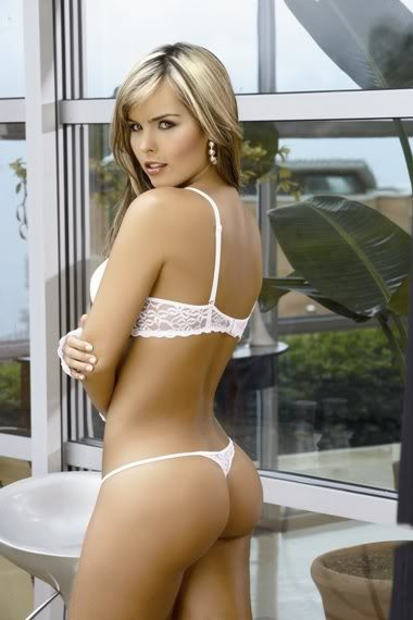 melissa_giraldo_from_columbia_with_thong_20100622_1281166862