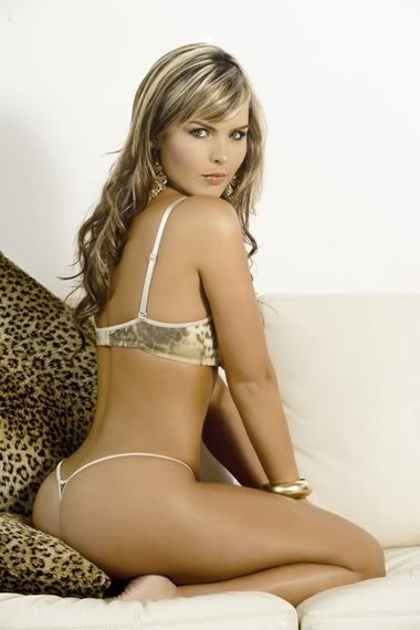 melissa_giraldo_from_columbia_with_thong_20100622_1334643177