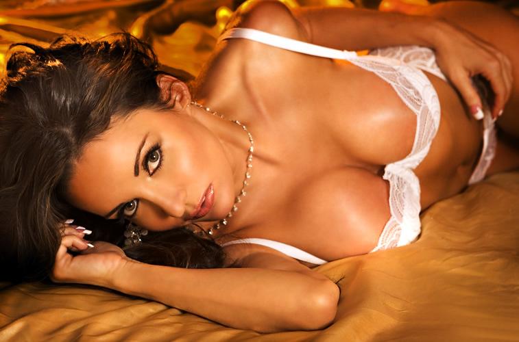tina_marie_desaro_the_queen_of_hearts_las_vegas_-_june_2010_20100627_1125323093