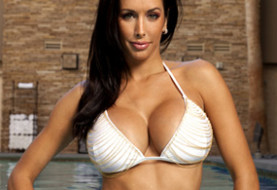 Former UFC Octagon Girl Edith LaBelle Presents the Tuesday Morning Media Watch