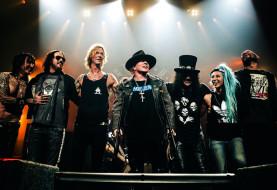 Guns N' Roses Rocks Detroit