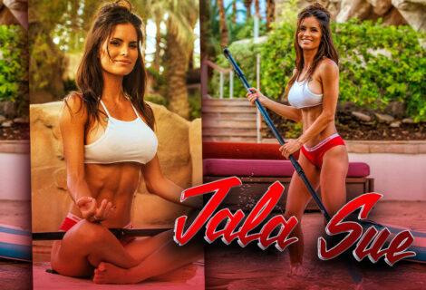 #HustleBootyTempTats Supermodel Jala Sue Paddleboards Through Las Vegas