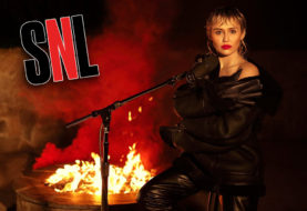 """Miley Cyrus Nails Pink Floyd's """"Wish You Were Here"""" on SNL"""